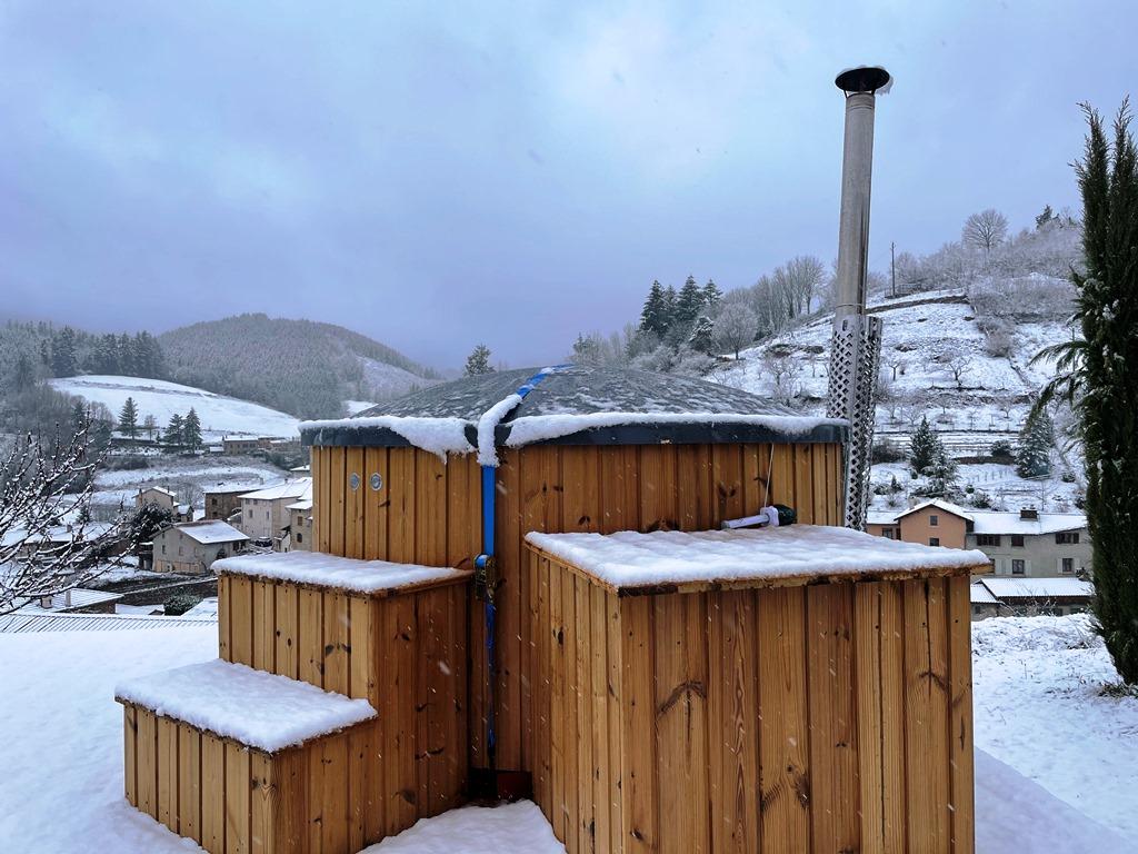 Bain nordique sous la neige